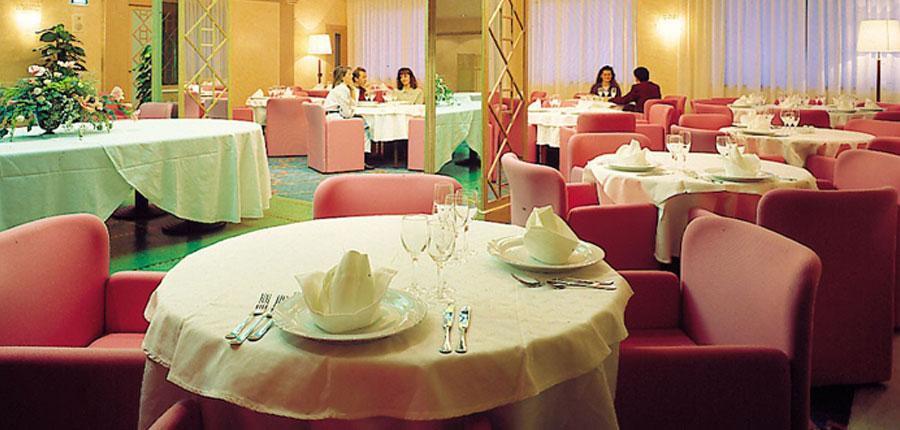 Hotel Oliveto, Desenzano, Lake Garda, Italy - Restaurant.jpg